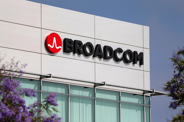 Qualcomm et Broadcom négocient